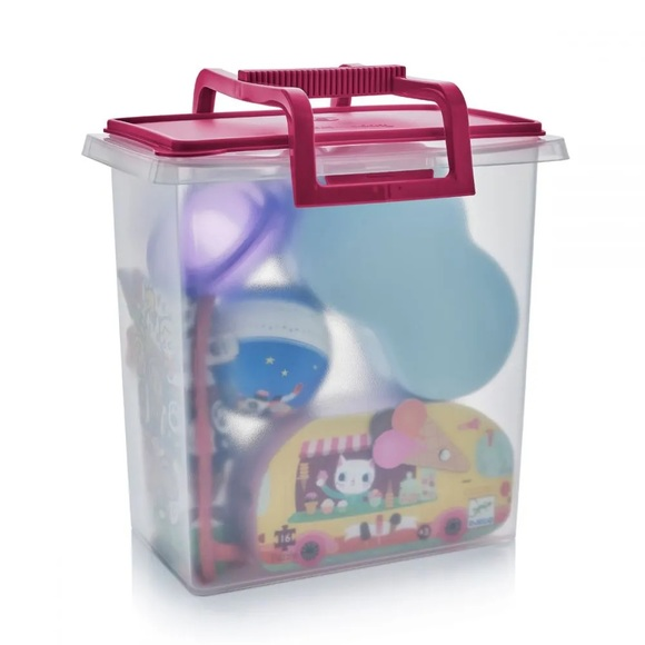 Tupperware Large Carry All container with handle
